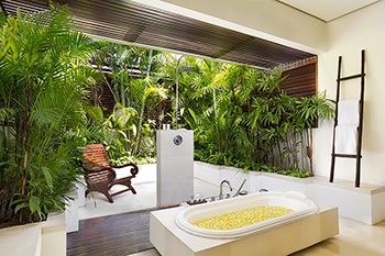 En-Suite Bathroom of Villa Jemma Bali