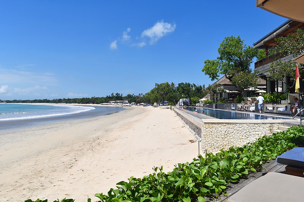 Hotels in Bali Right on the Beach